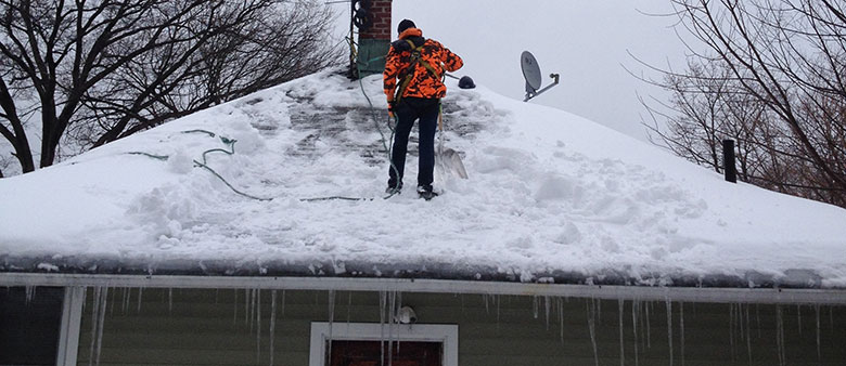 Roof Snow and Ice Removal Longueuil